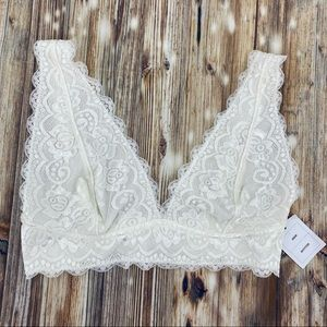 Out From Under/UO- NWT Creme Lace Bralette